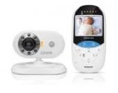 Motorola MBP27T Digitales Babyphone mit 2,4'' (6,1 cm) LC-Farbdisplay am Empfänger und Kamera in der Sendeeinheit