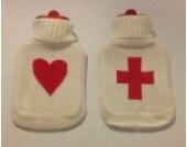 1 Liter Wärmflasche Weiß mit Herz oder Kreuz | Wärmflaschen Schwangerschaft Körnerkissen Farbe Kreuz